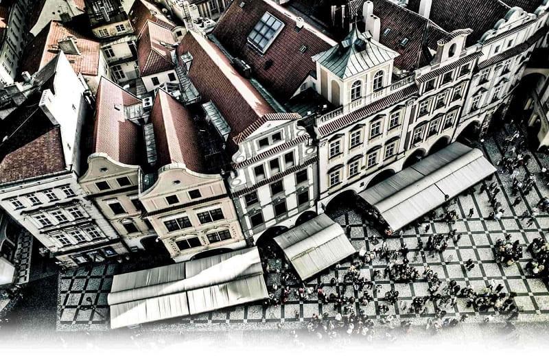 Чешское за деньги на улице 30 фотография